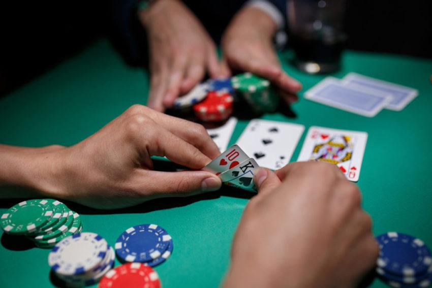 Taktik Penting Judi Poker Mempertahankan Blinds Infopedia